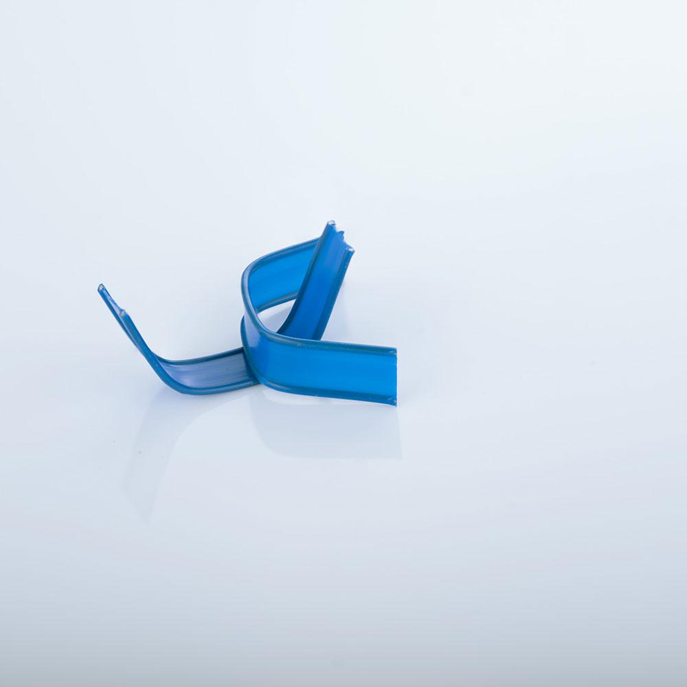 U-Clips, blau gebogen